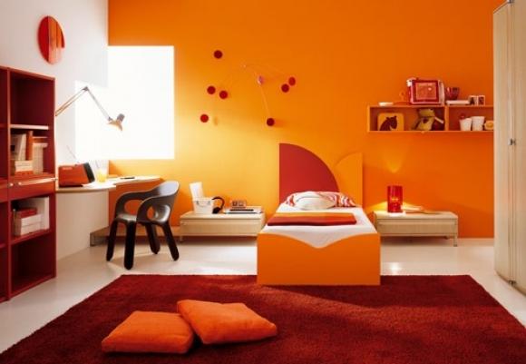 Không gian trở nên ấm áp bội phần với sự kết hợp của sắc cam và sắc đỏ